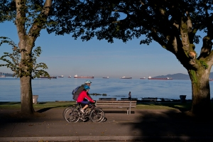 7-english-bay-bike-path